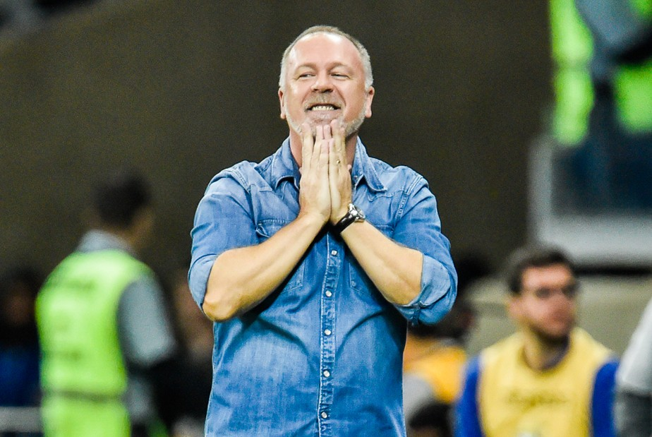 Mano Menezes deixa o Cruzeiro após derrota para o Internacional na semifinal da Copa do Brasil