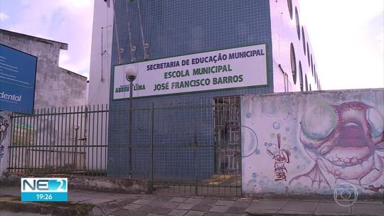 Abreu e Lima tem 6,1 mil alunos sem aula por atraso na contratação de professores