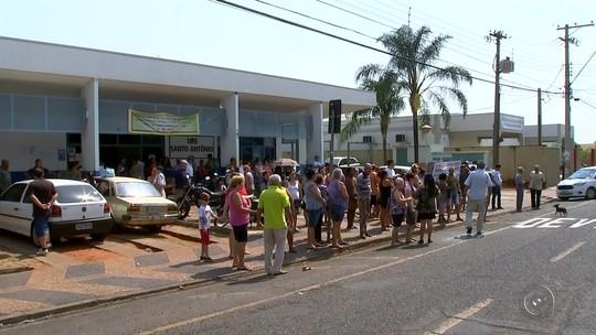 Moradores protestam contra possível fechamento parcial de UPA em Rio Preto