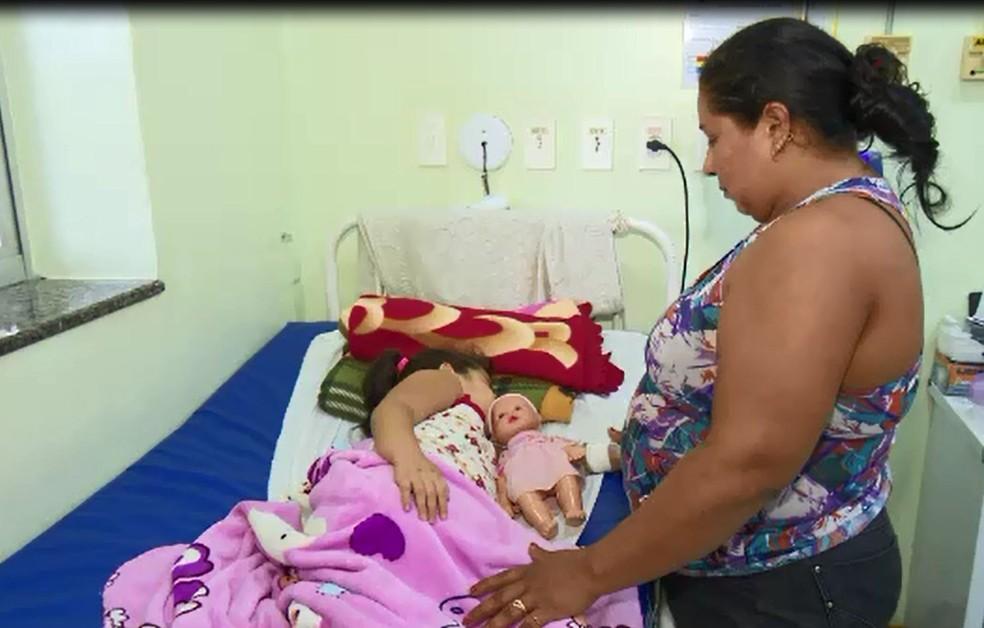 Mesmo doente, a mãe de Ashalley diz que ela é uma menina muito alegre  (Foto: Reprodução/Rede Amazônica Acre)