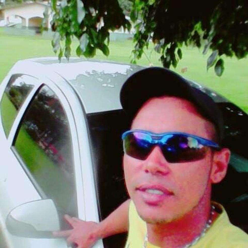 Gean Santos Barbosa, de 27 anos, foi morto com uma facada em Primavera do Leste (Foto: Facebook/Reprodução)