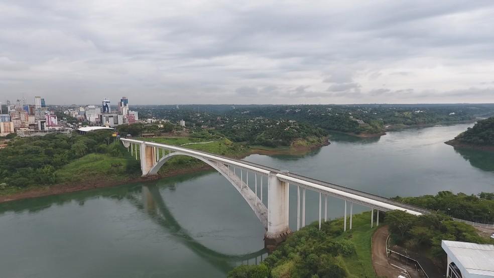 Em Foz do Iguaçu, Ponte Internacional da Amizade está fechada dos dois lados — Foto: RPC Foz do Iguaçu