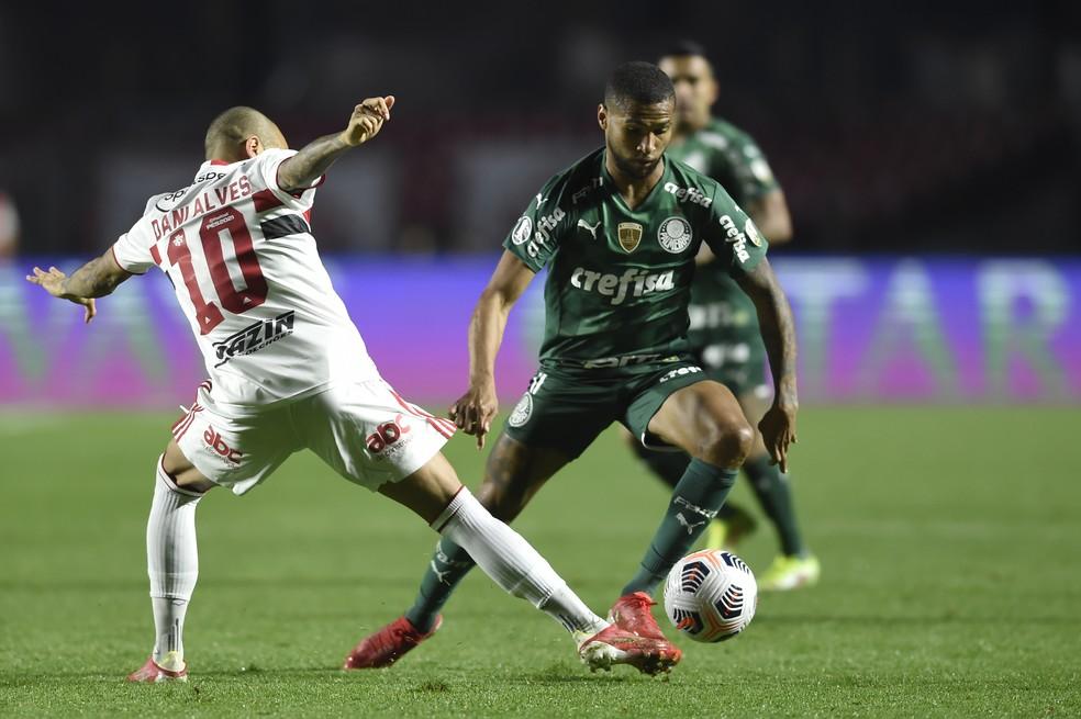 São Paulo x Palmeiras, Daniel Alves e Wesley — Foto: Staff Images / CONMEBOL
