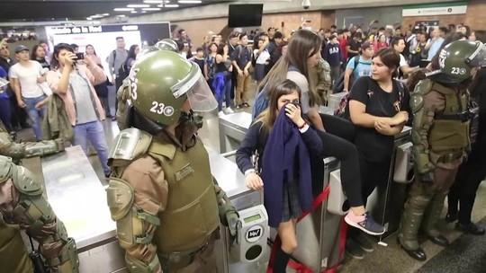 Chile decreta emergência após atos em Santiago; 180 são presos
