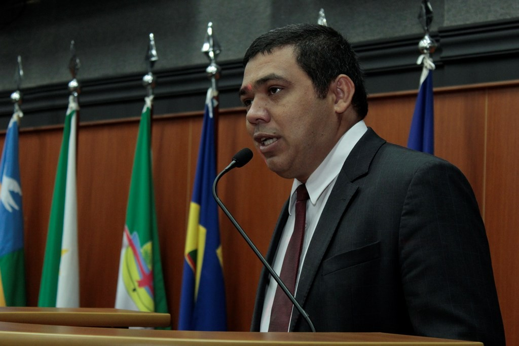 Soldado Sampaio pede para sair da Casa Civil e é exonerado pelo governador de RR