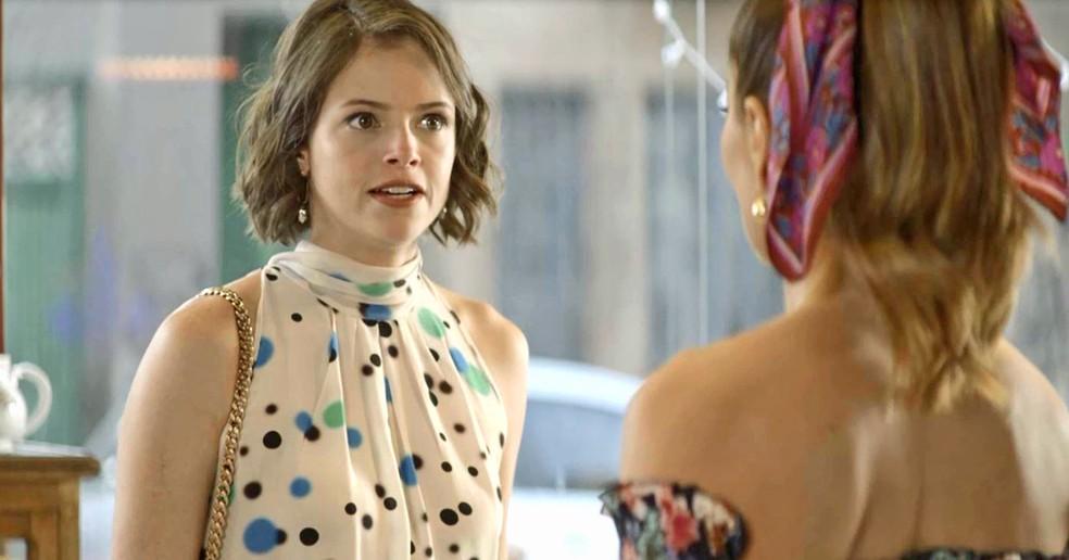 Josiane (Agatha Moreira) diz a Maria da Paz (Juliana Paes) que mentiu quando disse que estava arrependida, em 'A Dona do Pedaço' — Foto: Globo