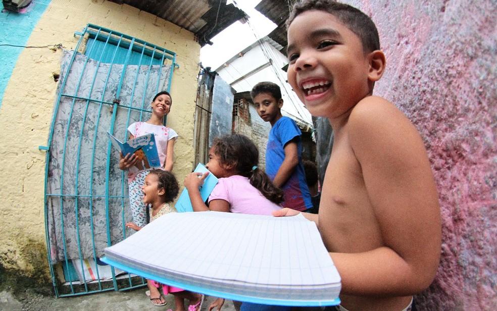 Stheffany é estudante do 6º ano em uma escola particular do Recife (Foto: Aldo Carneiro/Pernambuco Press)