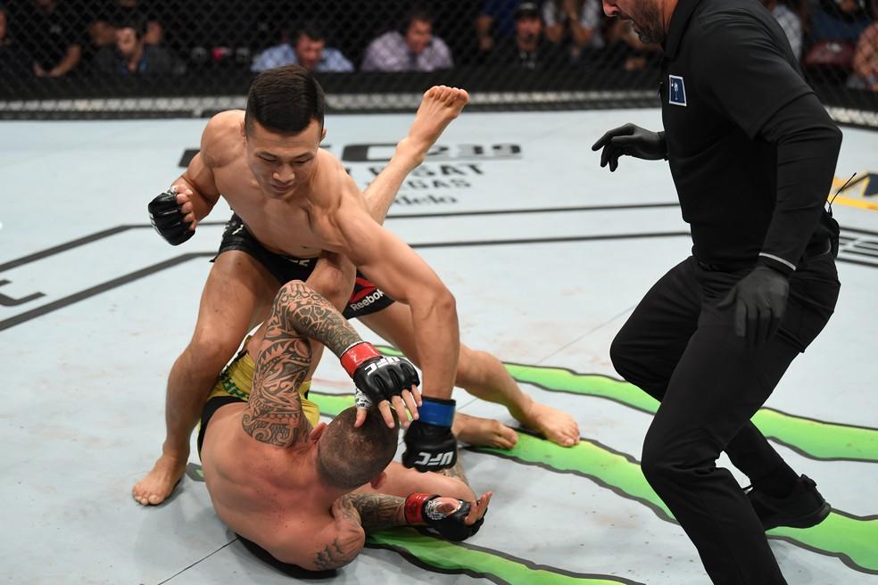 Zumbi Coreano nocauteou Renato Moicano em 58 segundos — Foto: Getty Images