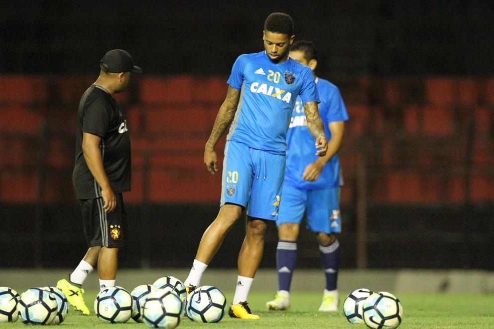 André não quer Sport desesperado por estar na zona de rebaixamento (Foto: Marlon Costa/ Pernambuco Press)