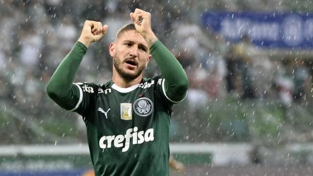 Zé Rafael comemora o primeiro gol do Palmeiras