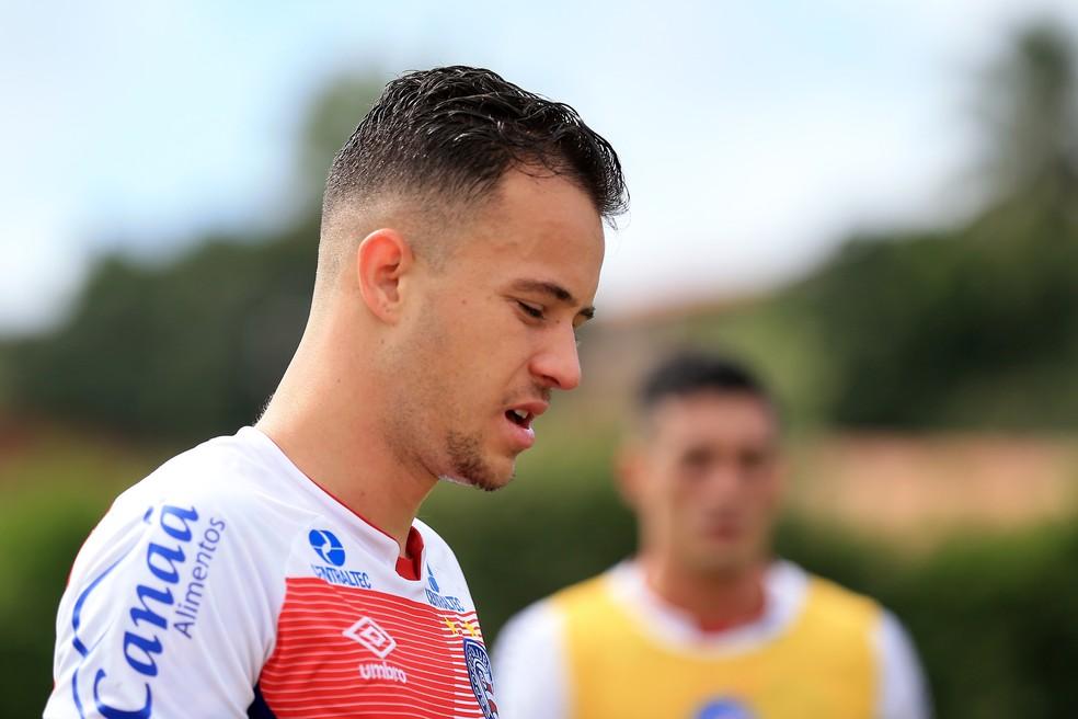 Gustavo Ferrareis teve passagem discreta no Bahia (Foto: Felipe Oliveira / Divulgação / E.C. Bahia)