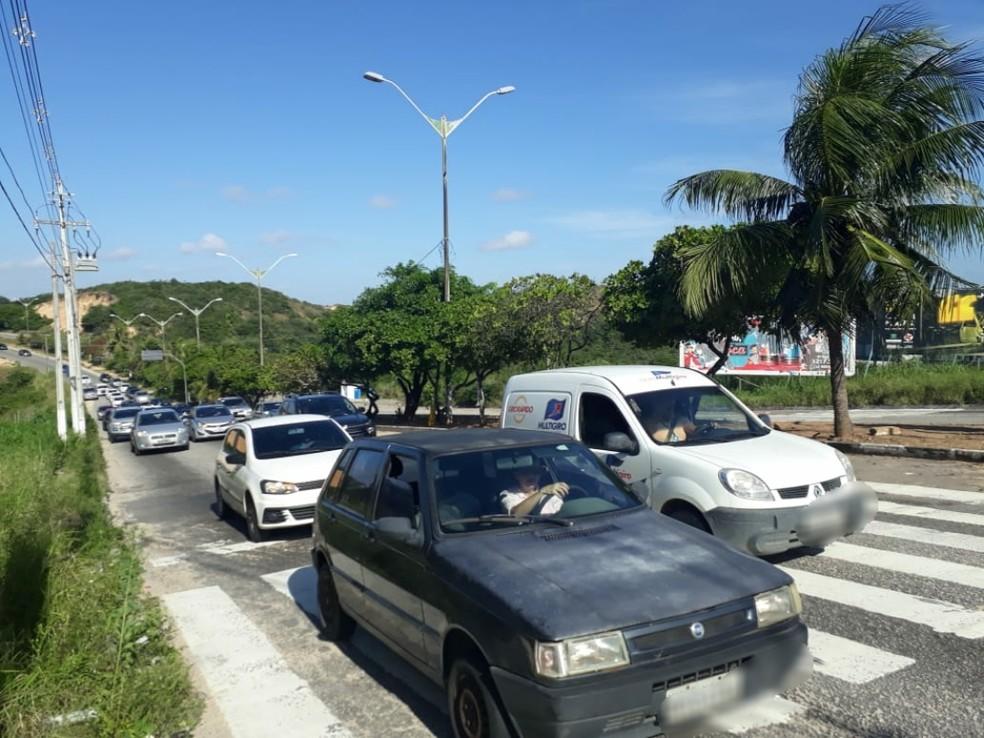 Assaltos aconteceram no cruzamento entre as avenidas Prudente de Morais e Integração, na Zona Sul de Natal (Foto: Marksuel Figueredo/Inter TV Cabugi)