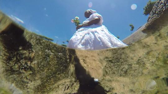 Turistas chegam a Salvador para celebrar Iemanjá: 'merece reverência'