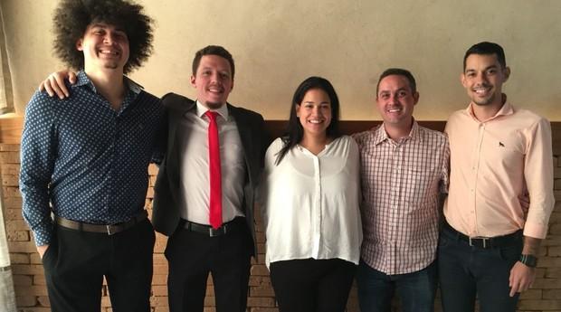 Rafael Matos, Victor Abreu, Luciana Sarres, Felipe Sares e Thiago Salla; sócios da N1 Chicken (Foto: Divulgação)