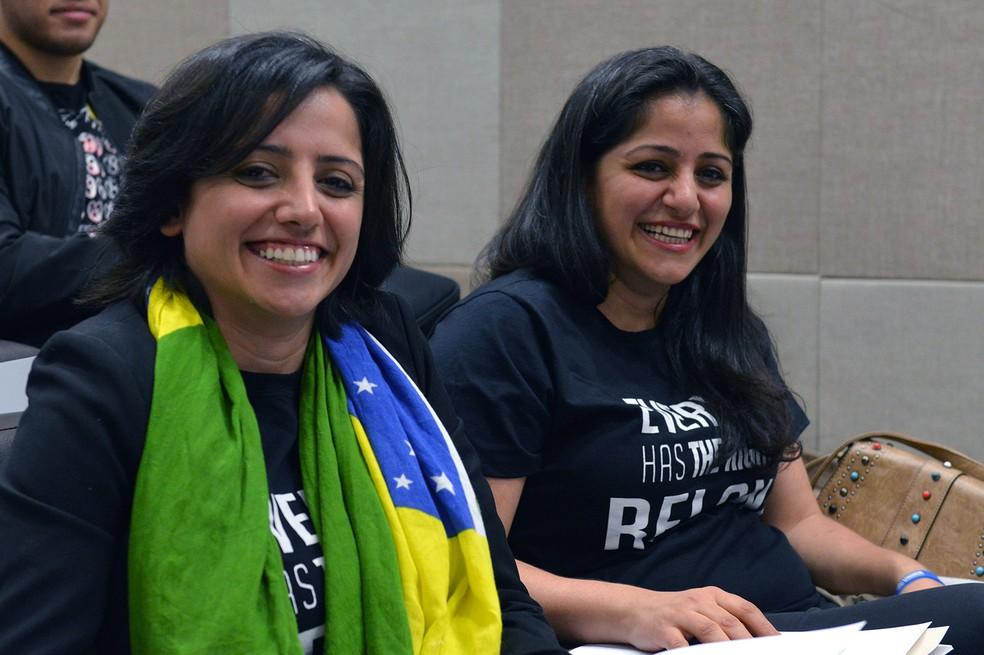 Irmãs Maha e Souad Mamo são primeiras refugiadas a terem a condição de 'apátridas' reconhecida pelo governo brasileiro — Foto: Isaac Amorim/MJ