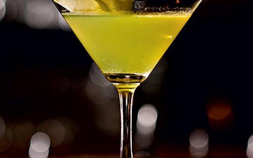 20 drinques com vodca para agitar seu Carnaval