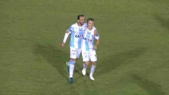 Seis gols em sete jogos: Dagoberto assume a artilharia do Londrina em 2018