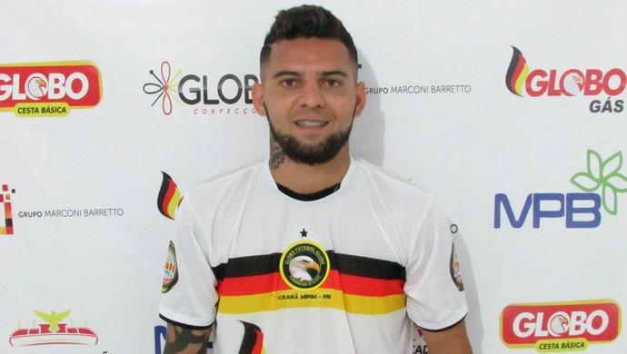 Bismarck, meia do Globo FC (Foto: Rhuan Carlos/Divulgação)