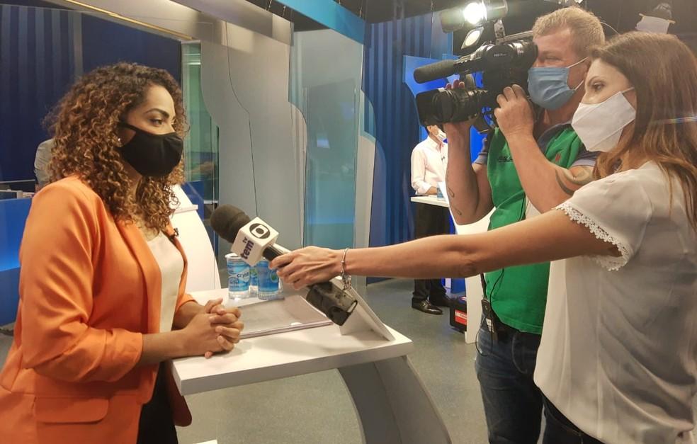 Suéllen Rosim, após o debate de sexta-feira na TV TEM — Foto: Sérgio Pais/G1