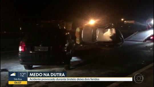Tentativa de arrastão na Dutra termina em acidente e deixa dois feridos