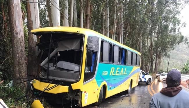 Acidente de ônibus deixa feridos em rodovia do ES