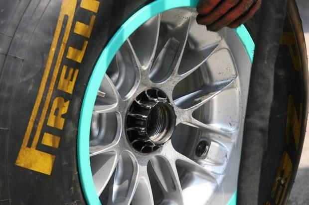 Roda Mercedes F1 Parafuso (Foto: Xpb.cc)