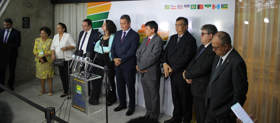 Governadores do Nordeste participam de encontro em Teresina — Foto: Lucas Marreiros/G1