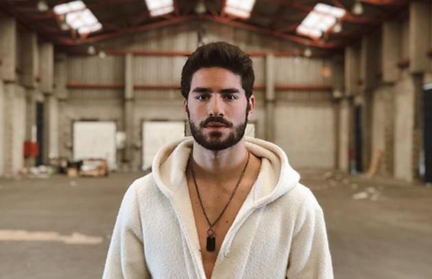 O ator esteve no elenco de 'Valor da vida' e atuou ao lado de brasileiros, como Carolina Kasting e Thiago Rodrigues (Foto: Reprodução Instagram)