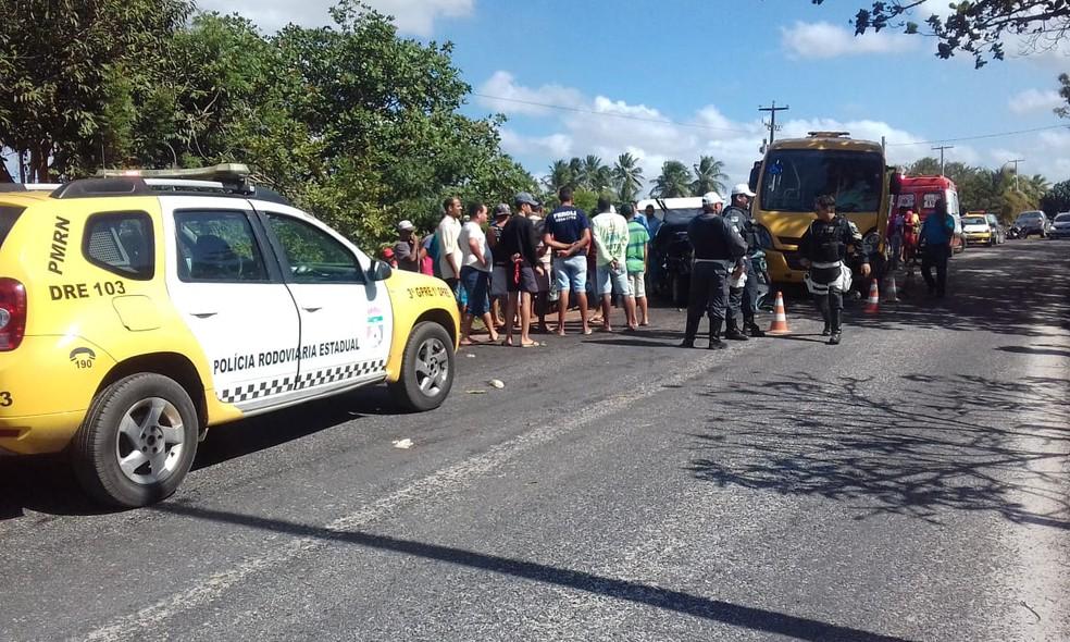 Acidente aconteceu na tarde desta quinta (23) entre Brejinho e Monte Alegre (Foto: Julianne Barreto/Inter TV Cabugi)