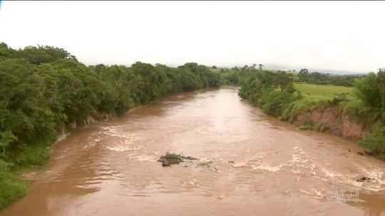 Governo de Minas recomenda que mais cidades não usem água do rio Paraopeba