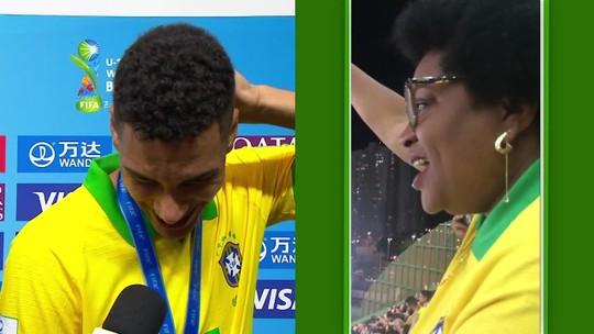 """Henri vai às lágrimas com emoção da mãe ao ver filho erguer taça do Mundial sub-17: """"É para eles"""""""