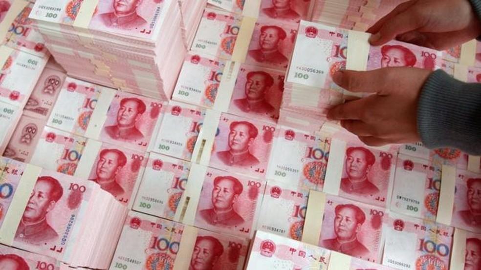Cédulas da moeda chinesa — Foto: Getty Images