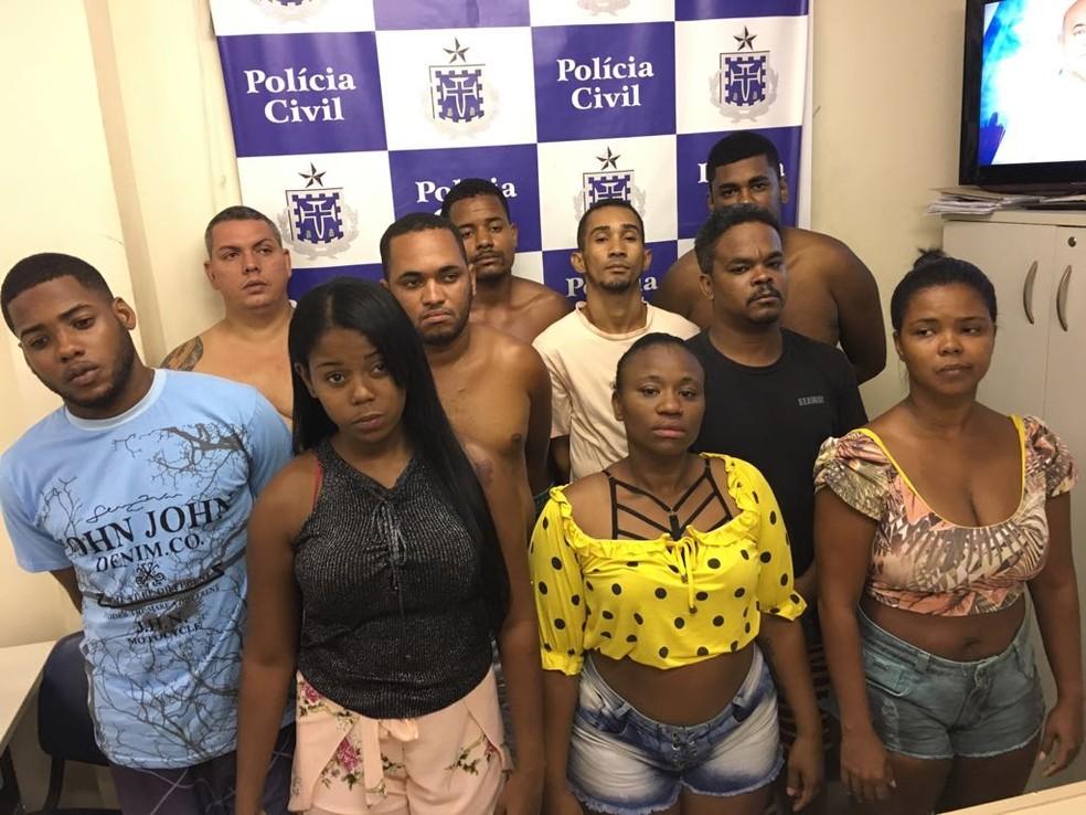 Dez pessoas foram presas por envolvimento com o tráfico de drogas (Foto: Divulgação/SSP-BA)