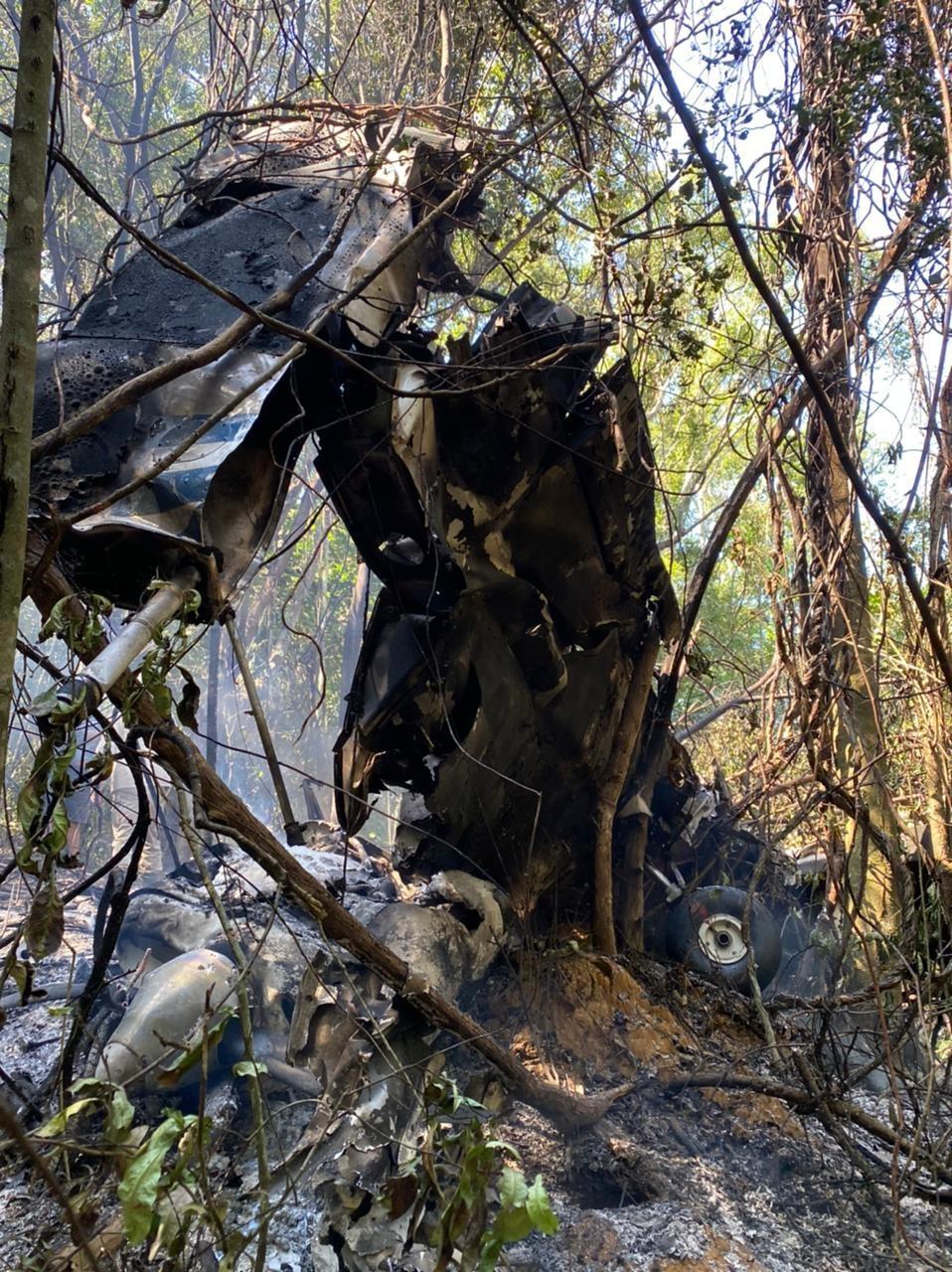 Piloto ferido em queda de avião em Guarapari, ES, recebe alta