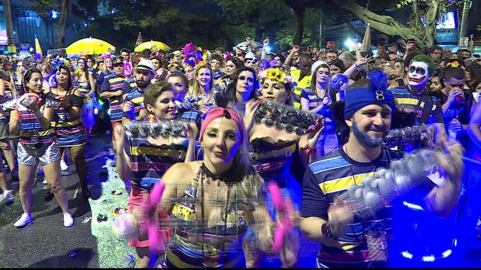 No Santo Agostinho, Região Centro-Sul, o 'Sexta Ninguém Sabe' embala o carnaval — Foto: Reprodução/ TV Globo