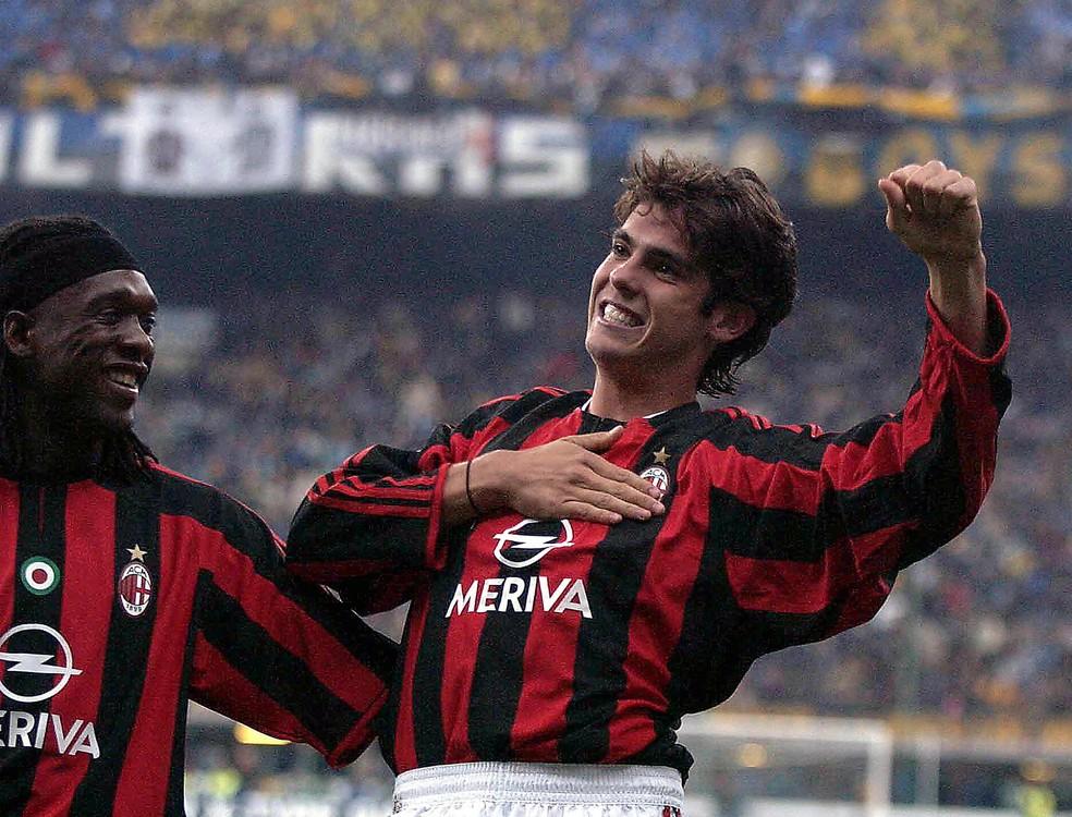 Kaka em ação pelo Milan em 2003  — Foto: AFP