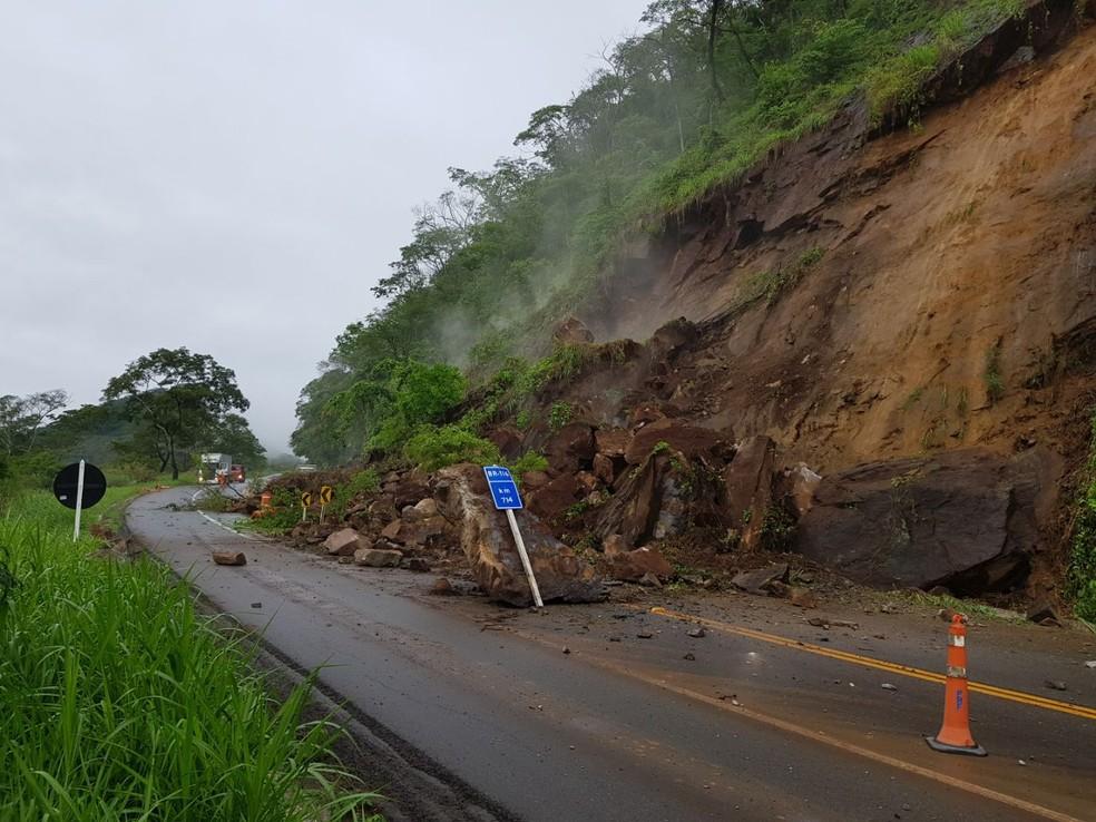 -  Tráfego desviado após interdição na BR-116 em Muriaé foi apontado como causa de proibição de trânsito em Miraí  Foto: Polícia Rodoviária Federal/Divu