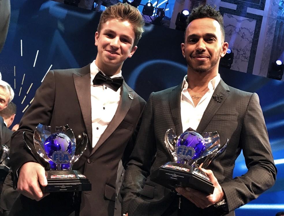 O econtro com Hamilton, na festa no FIA Gala de 2016 (Foto: Arquivo pessoal)