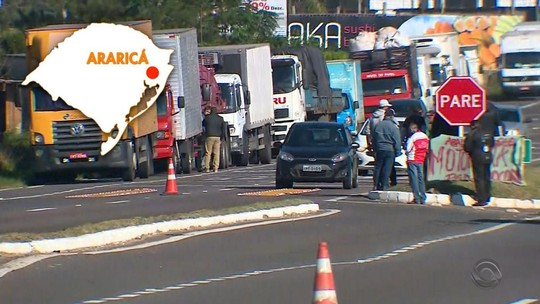Caminhoneiros retomam protestos contra alta dos combustíveis pelo terceiro dia consecutivo no RS