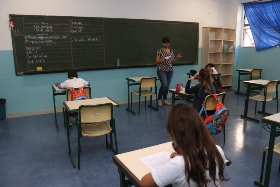 Projeto de lei propõe fazer busca ativa domiciliar de alunos faltosos em Santos