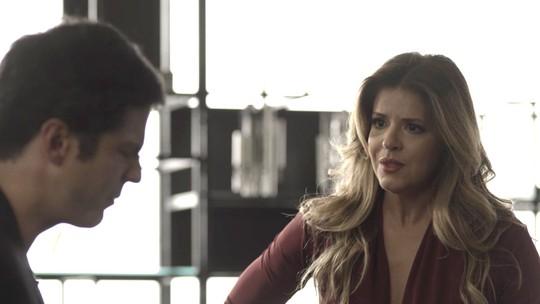 Maria Pia fica angustiada ao ver Isabel, mas Eric garante que segredo está seguro
