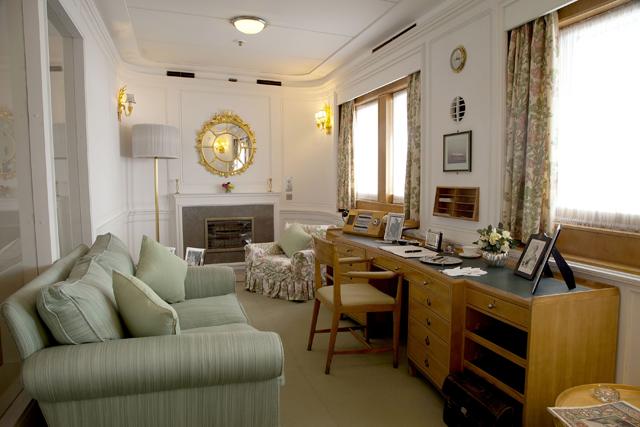 A sala privativa da rainha, onde ela recebia apenas os mais chegados - e onde escrevia suas anotações (Foto: Divulgação)