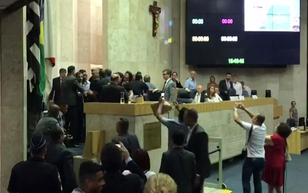 Debate sobre Reforma da Previdência tem bate-boca entre vereadores  — Foto: Reprodução/TV Globo