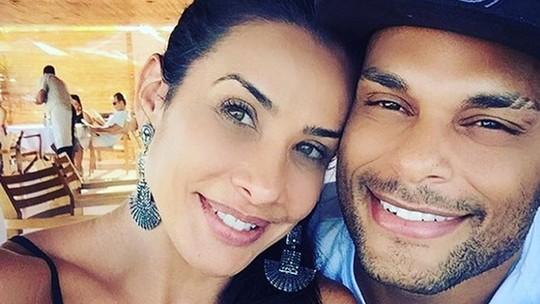 Scheila Carvalho e Tony Salles confessam: 'Fica uma disputa para ver quem é mais ciumento'