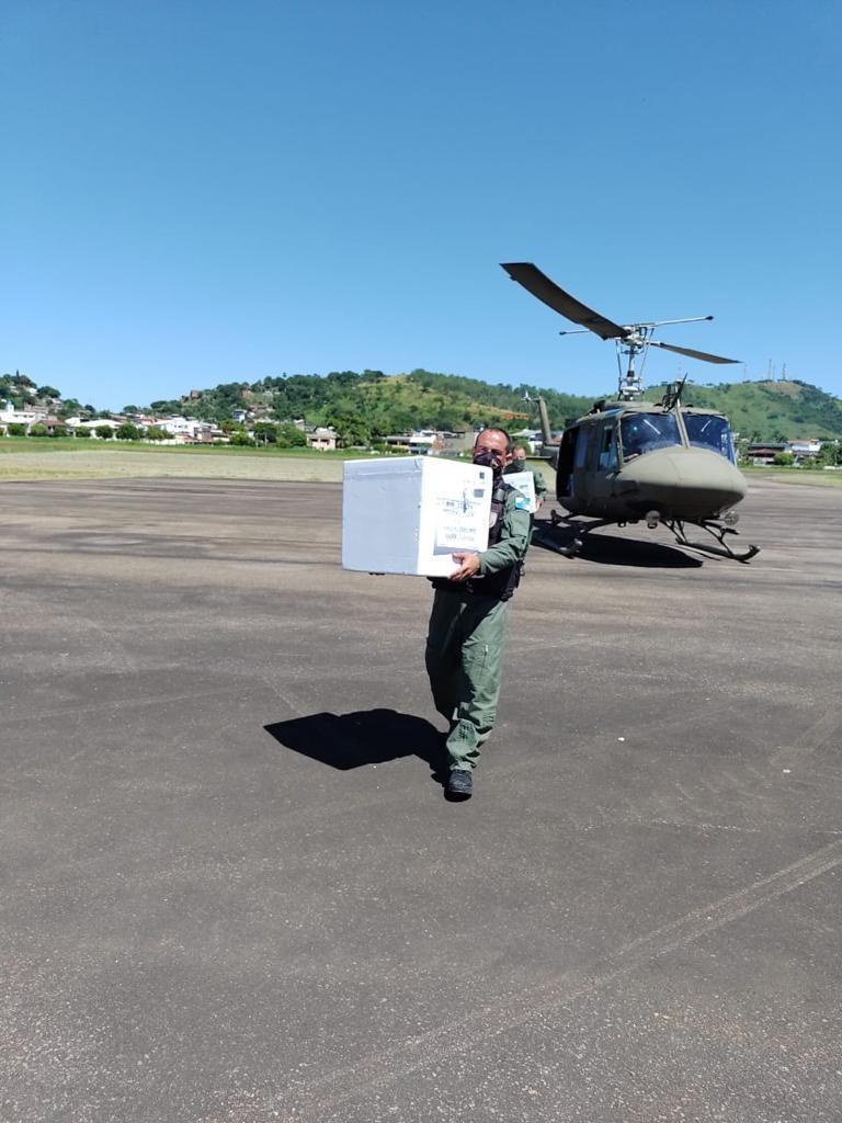 Primeiro lote com doses da CoronaVac chega à Itaperuna, no RJ