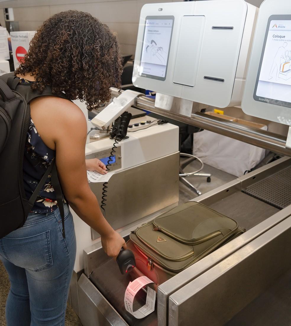 Máquina de Self Bag Drop está localizada no check-in da Latam. — Foto: Alexandre Bastos/Divulgação