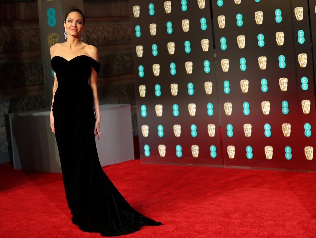 Angelina Jolie chega ao Bafta, no Royal Albert Hall, em Londres (Foto: Hannah McKay/Reuters)