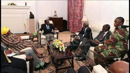 Presidente Robert Mugab se recusa a renunciar, mas pode ser afastado
