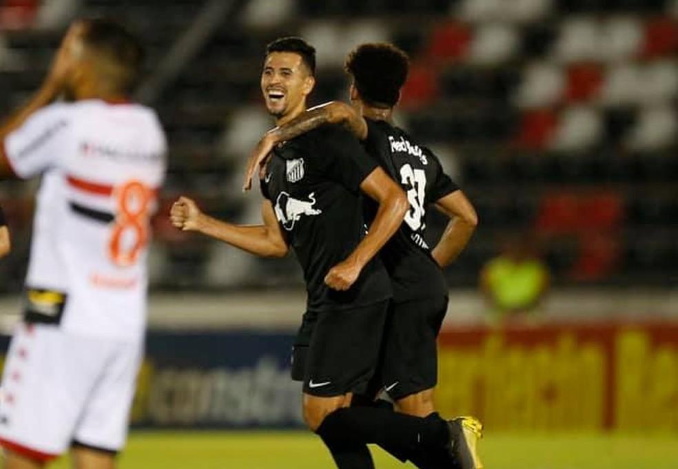 Ricardo Ryller comemora gol diante do Botafogo-SP — Foto: Ari Ferreira/ CA Bragantino
