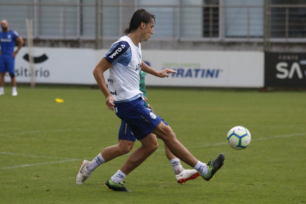 Geromel em treino do Grêmio — Foto: Eduardo Moura